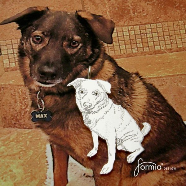 pet photo pendant sitting dog.jpeg