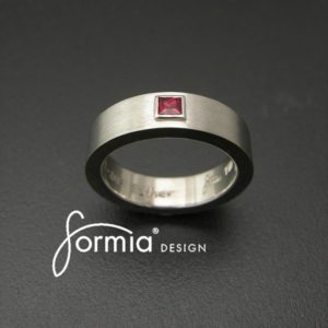 flat-band-with-square-princess-cut-ruby-in-bezel