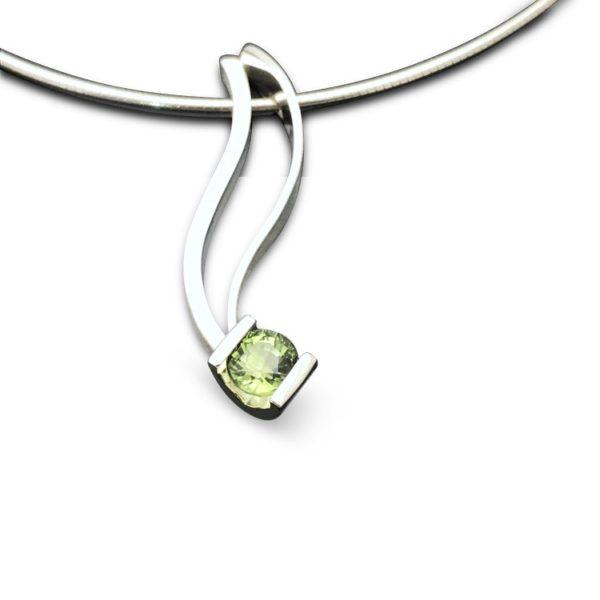 Sleek green peridot pendant, elegant modern fashionable design